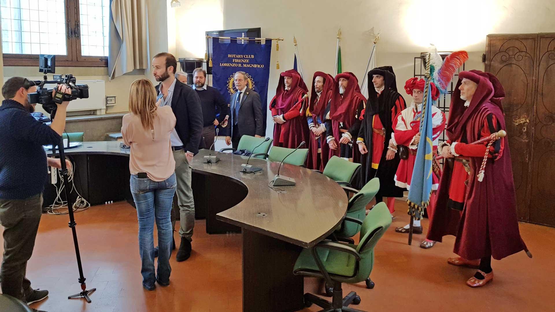 Corteo della Repubblica fiorentina: i nuovi abiti donati dal Rotary Club Lorenzo il Magnifico