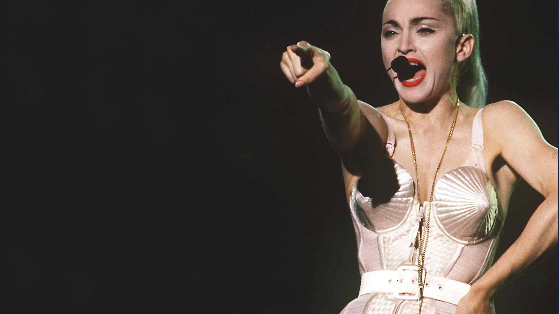 Bambola di stoffa realizzata a mano: Madonna