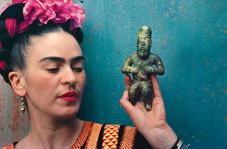 Bambole di personaggi famosi: Frida Kahlo